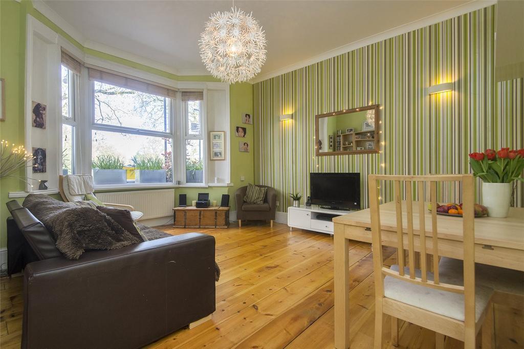 3 Bedrooms Flat for sale in Millfields Road, London, E5