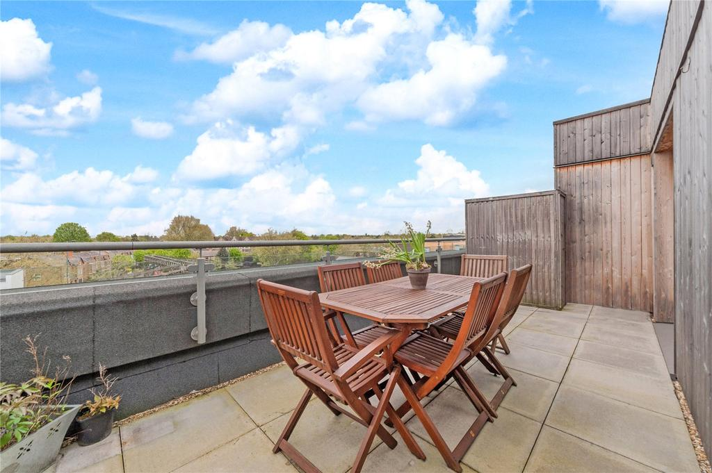 1 Bedroom Flat for sale in Garden Road, Richmond