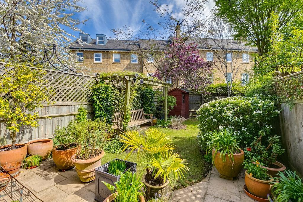 3 Bedrooms Terraced House for sale in Wyatt Drive, Barnes, London