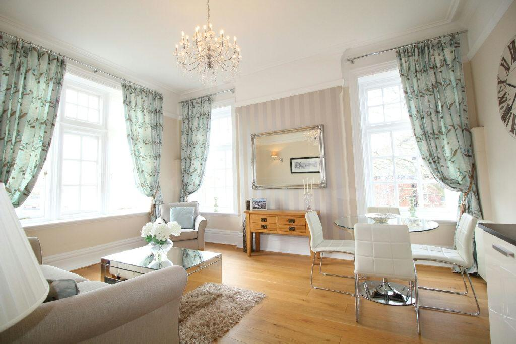 2 Bedrooms Flat for sale in Shire Hall, Pentoville, Newport