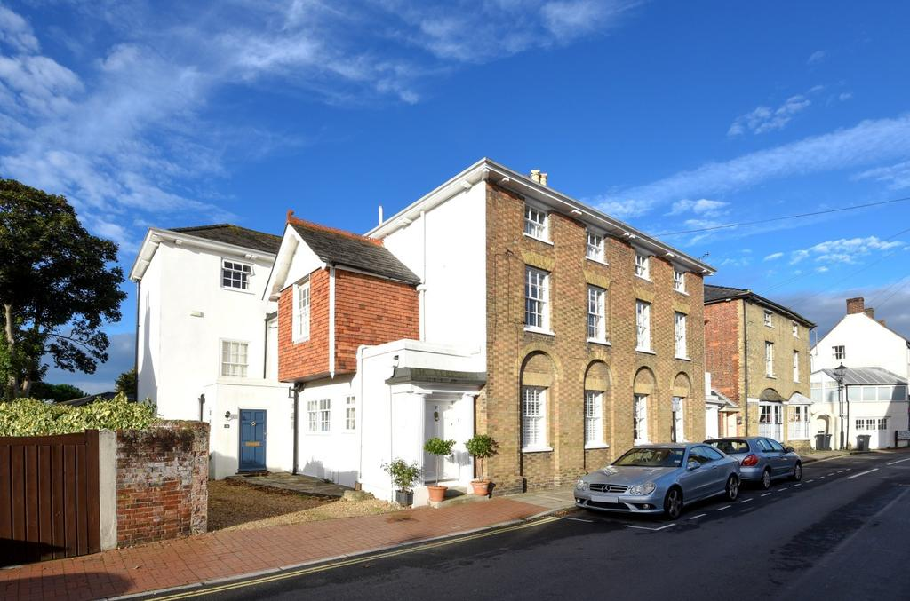 3 Bedrooms Semi Detached House for sale in King Street, Emsworth, PO10