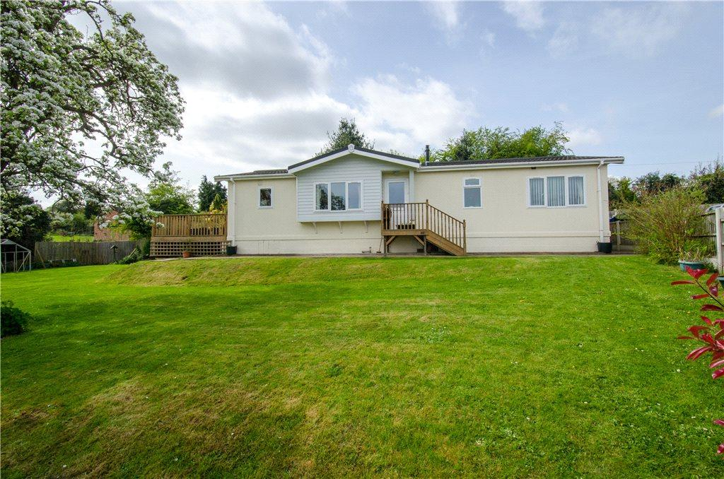 2 Bedrooms Detached House for sale in Fruiterers Arms Park, Uphampton Lane, Ombersley, Droitwich, WR9