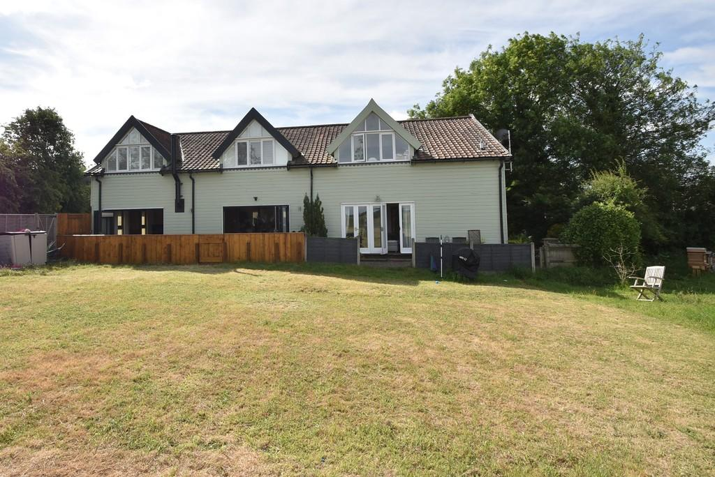 3 Bedrooms Barn Conversion Character Property for sale in Foxdells Lane, Bishop's Stortford