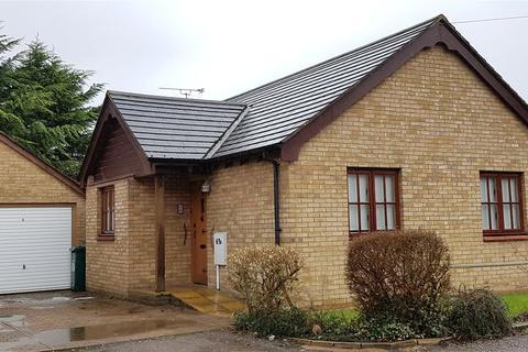 2 bedroom detached bungalow for sale - West End Lane, Barnet, Herts, EN5