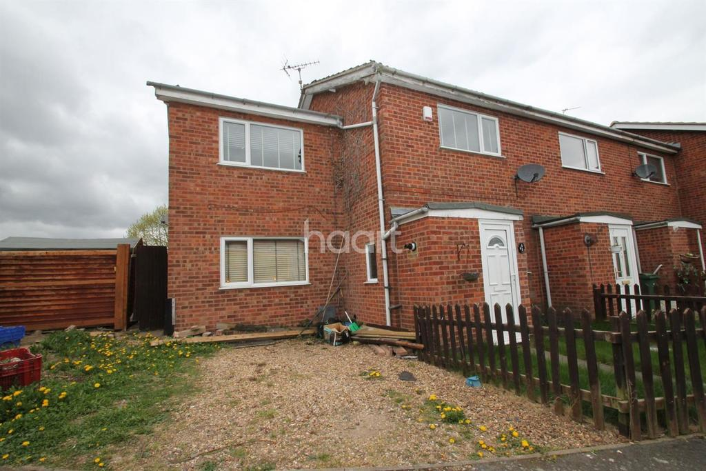 3 Bedrooms Semi Detached House for sale in Clayton Drive, Thurmaston, Leicester
