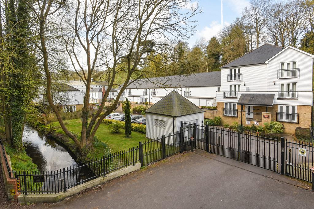 2 Bedrooms Apartment Flat for sale in Hayle Mill, Hayle Mill Road