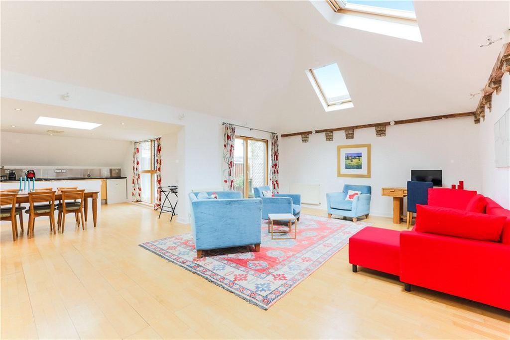 2 Bedrooms Terraced House for sale in Allingham Mews, Islington, London, N1
