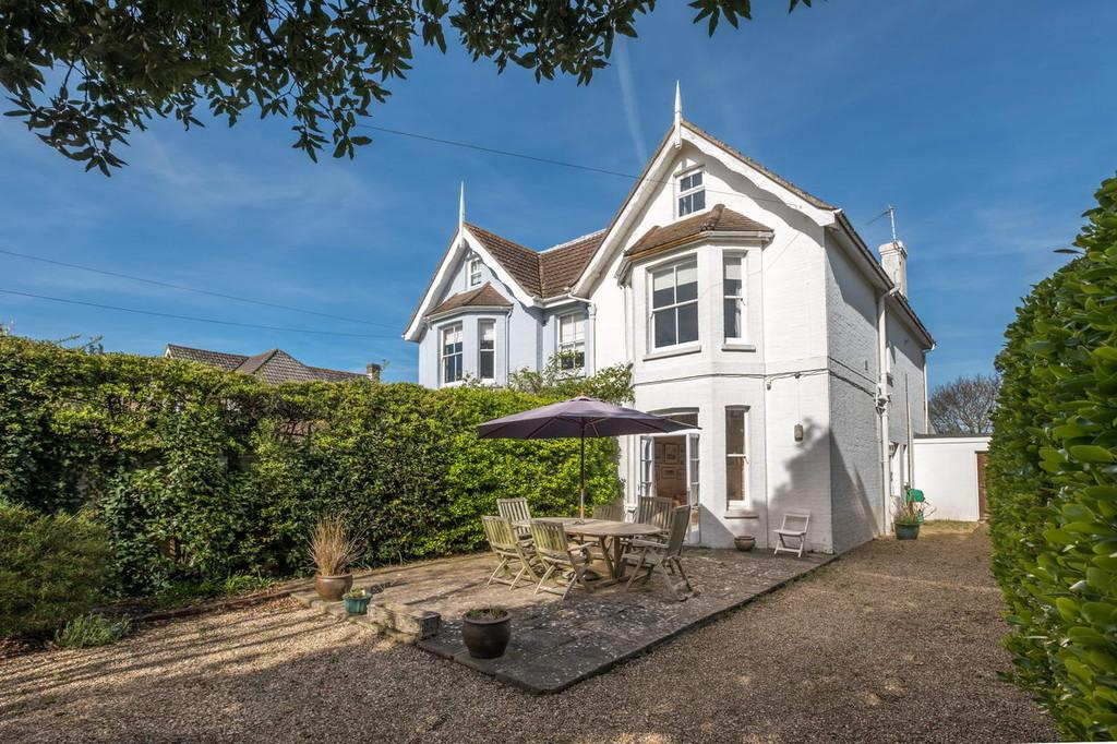 4 Bedrooms Semi Detached House for sale in Bembridge , Isle Of Wight