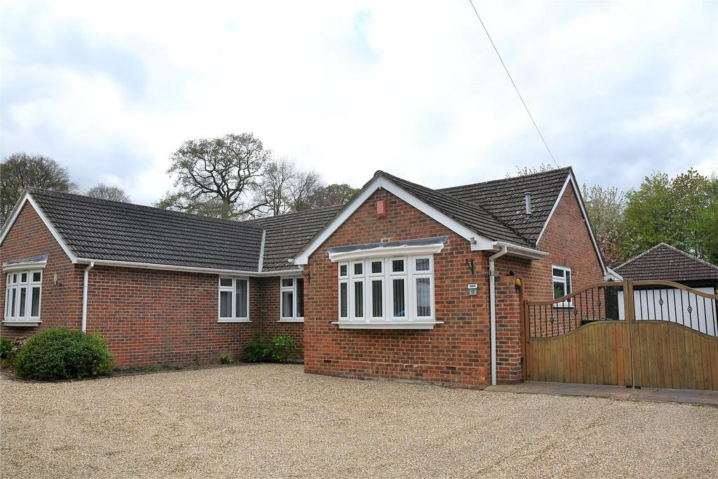 4 Bedrooms Detached Bungalow for sale in Tadley Hill, Tadley, Hampshire, RG26