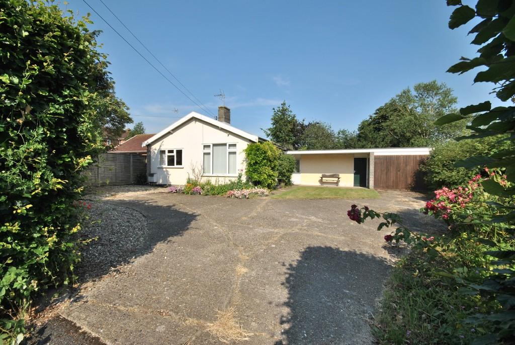 2 Bedrooms Detached Bungalow for sale in Diss
