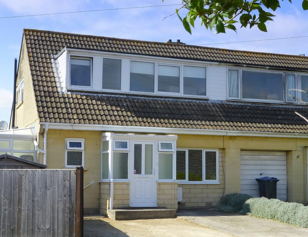 3 Bedrooms Semi Detached House for sale in Downs Close, Bradford On Avon