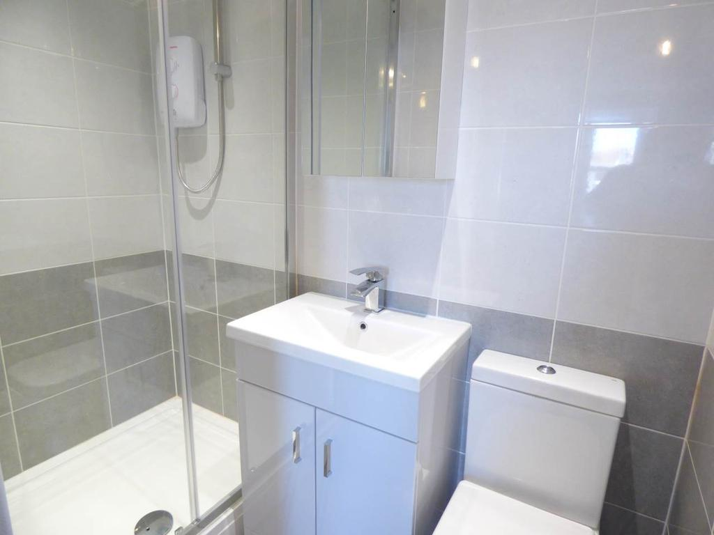 Boundary road hove east sussex studio 600 pcm 138 pw for Boundary bathrooms