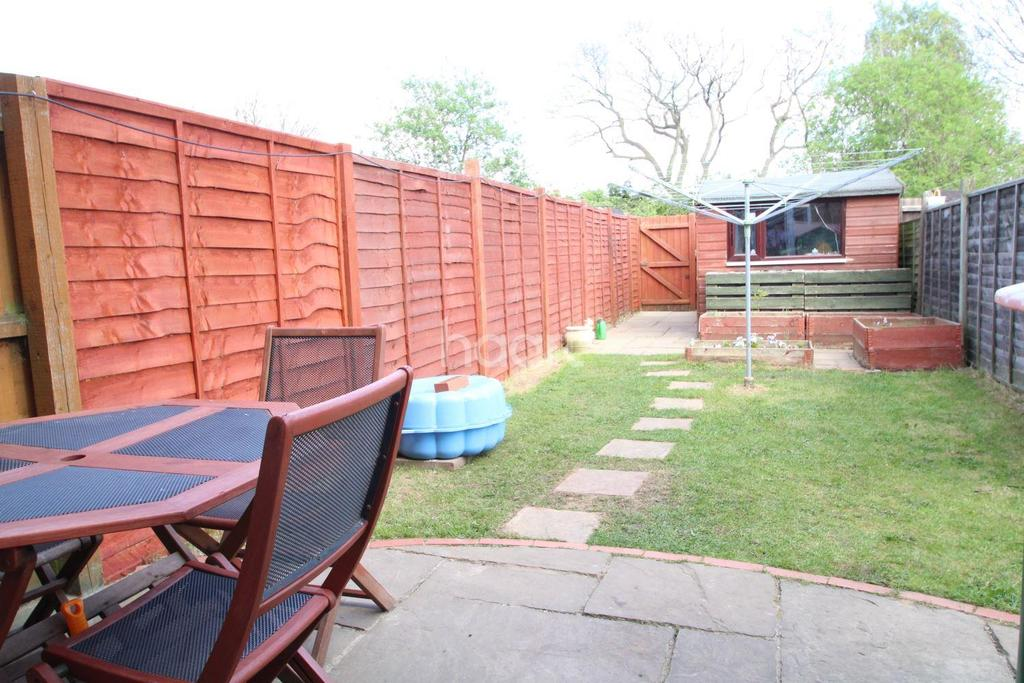 2 Bedrooms Terraced House for sale in Wyvern road, Ravenswood