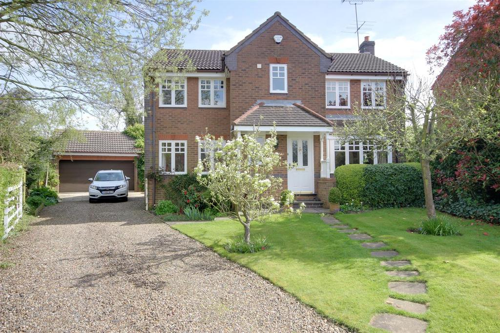 4 Bedrooms Detached House for sale in North View, Little Weighton, Cottingham
