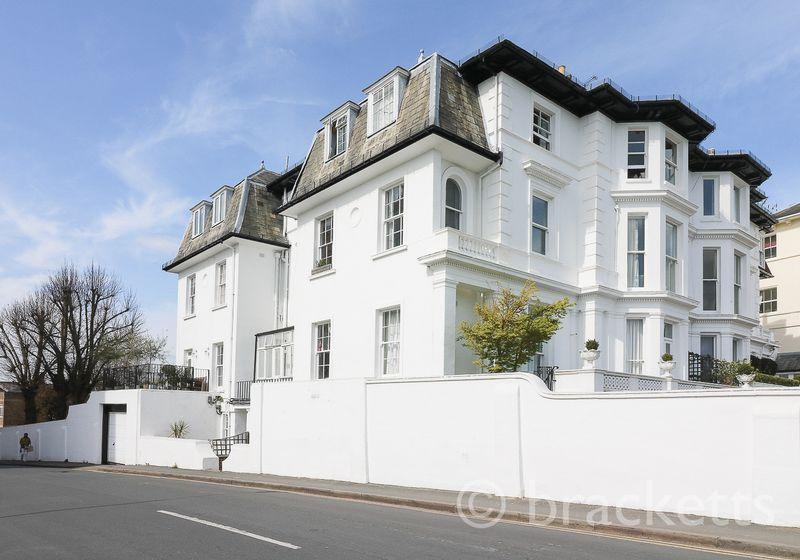 2 Bedrooms Apartment Flat for sale in Mount Ephraim, Tunbridge Wells