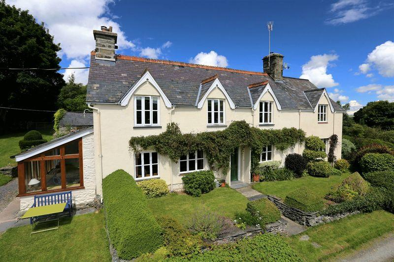 6 Bedrooms Detached House for sale in Cynwyd, Corwen