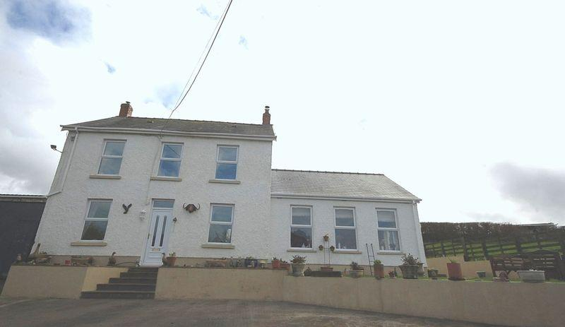 3 Bedrooms Detached House for sale in Park Farm, Pontyberem, Llanelli, SA15 5LR