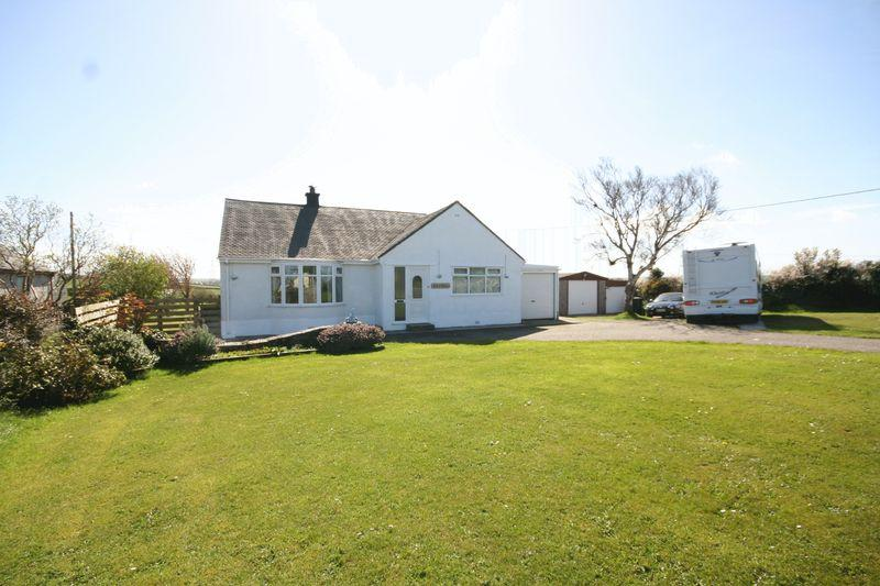 4 Bedrooms Detached Bungalow for sale in Cemaes Bay, Isle of Anglesey
