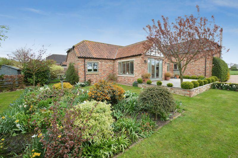 4 Bedrooms Detached House for sale in Hawthorn Barn, Witham Bank, Woodhall Spa