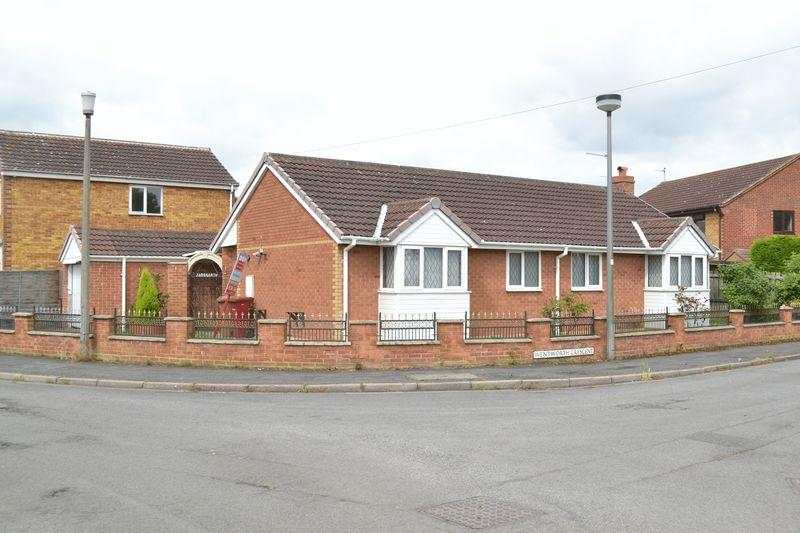 2 Bedrooms Detached Bungalow for sale in Westburn Avenue, New Holland