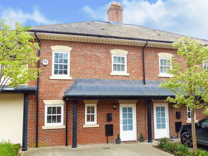 4 Bedrooms Terraced House for sale in Quoitings Drive, Marlow