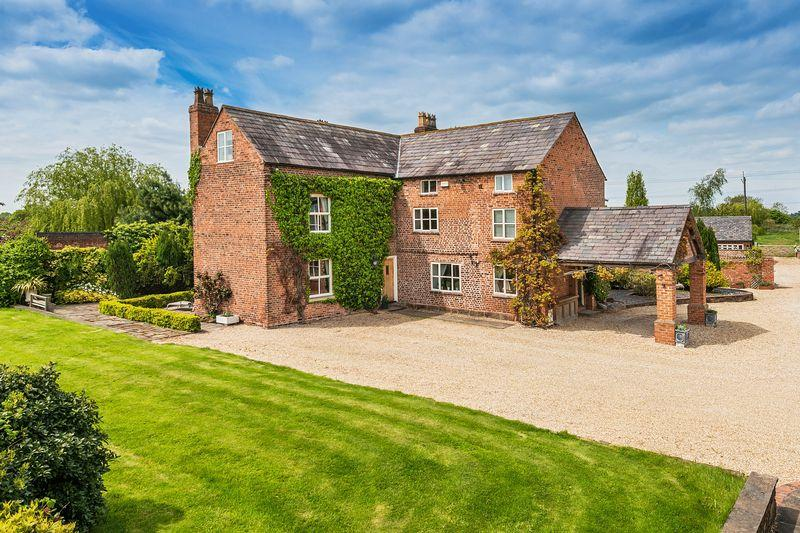 6 Bedrooms Detached House for sale in Court Farm, Cheshire