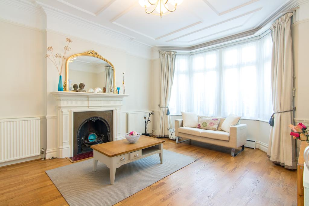 5 Bedrooms House for sale in Fordhook Avenue, Ealing