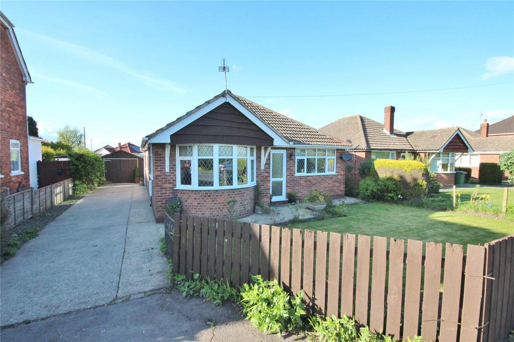 3 Bedrooms Detached Bungalow for sale in Station Road, Habrough, DN40