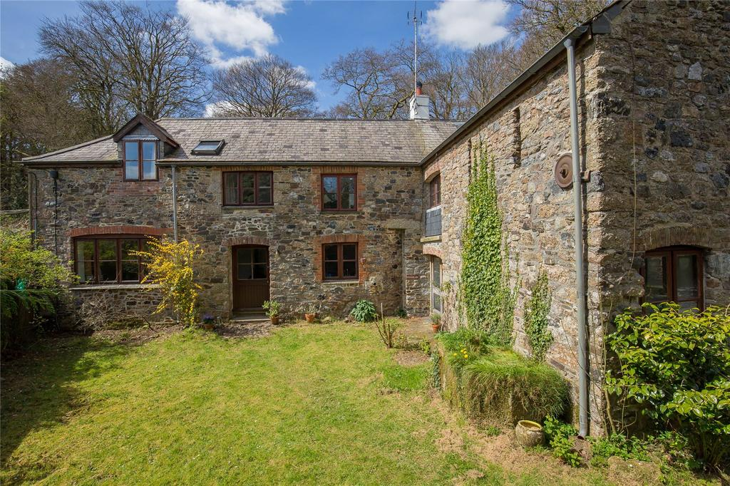 3 Bedrooms House for sale in Hayford Hall, Buckfastleigh, Devon, TQ11
