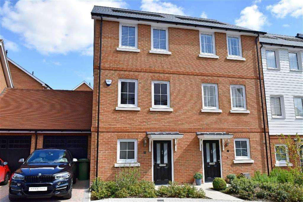 3 Bedrooms House for sale in Woodland Road, Dunton Green, TN14