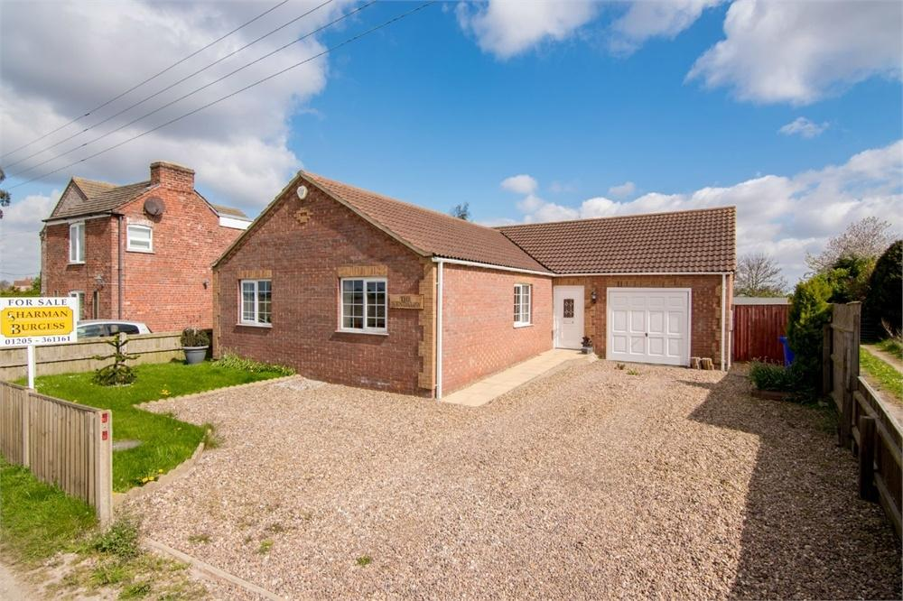 3 Bedrooms Detached Bungalow for sale in Broadgate, Wrangle, Boston, Lincolnshire