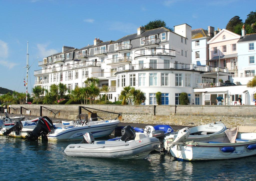 Studio Flat for sale in The Salcombe, Fore Street, Salcombe, Devon, TQ8