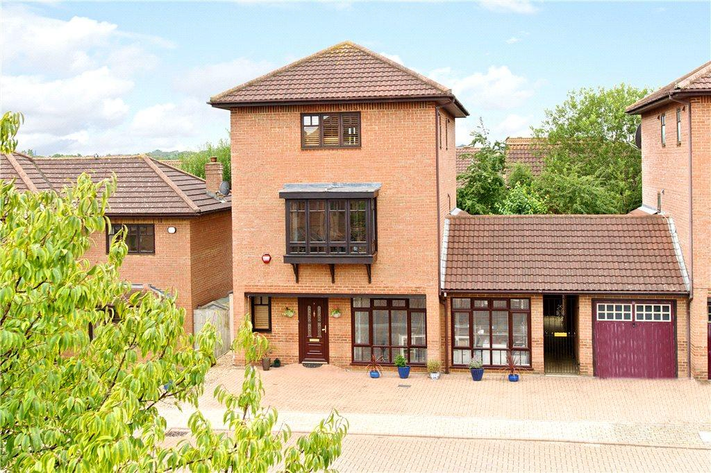 5 Bedrooms Detached House for sale in The Ryding, Shenley Brook End, Milton Keynes, Buckinghamshire