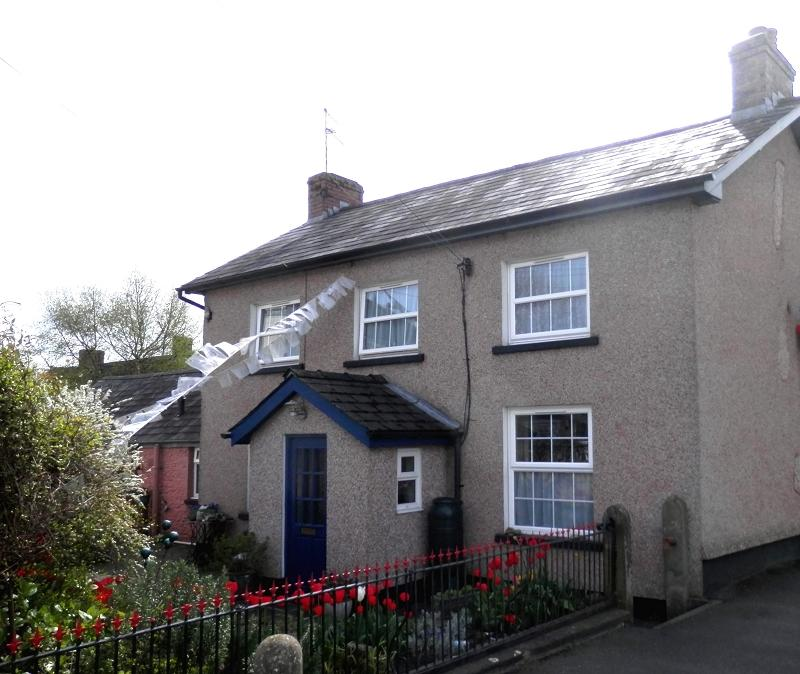 3 Bedrooms Detached House for sale in Llanfair Road, Llandovery, Carmarthenshire.