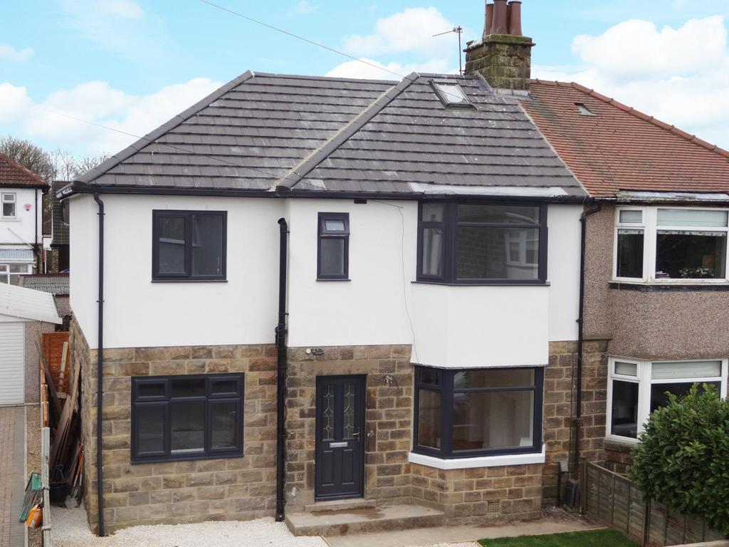 4 Bedrooms Semi Detached House for sale in Tarn View Road, Yeadon, Leeds