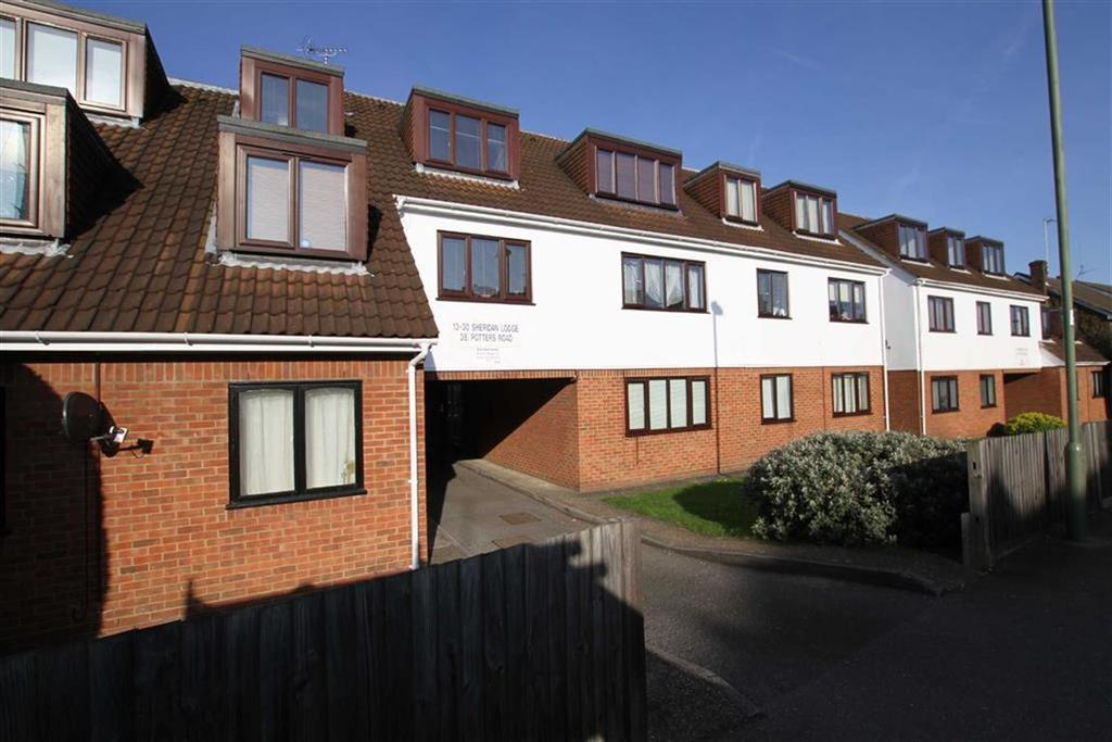 Studio Flat for sale in Potters Road, Barnet, Herts, EN5