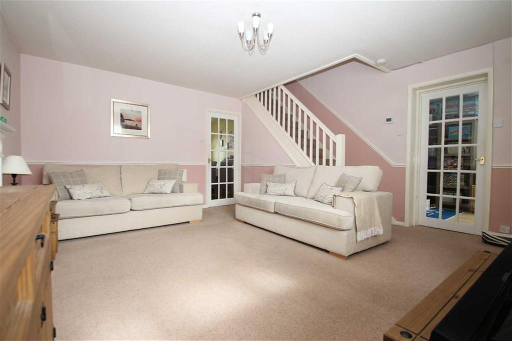 3 Bedrooms Terraced House for sale in Meadowsweet Drive, St Mellons, Cardiff