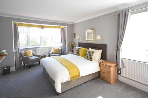 Guest house for sale - The Alexander, Burniston Road, Scarborough, North Yorkshire YO12 6PG