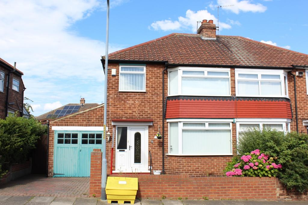 3 Bedrooms Semi Detached House for sale in Roseberry Road, Norton, TS20