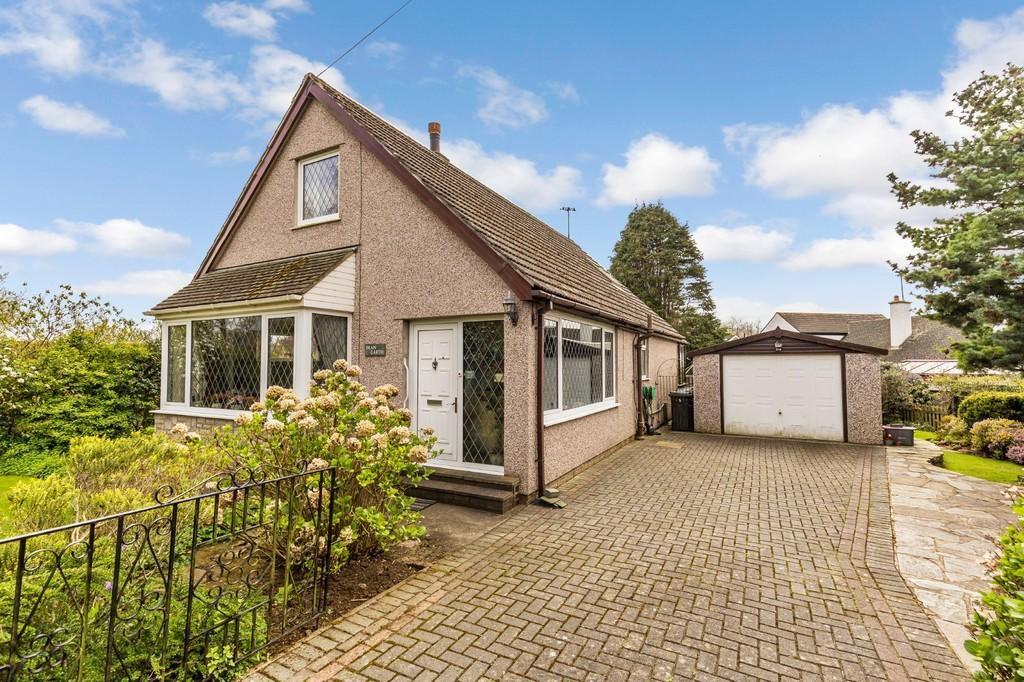3 Bedrooms Detached Bungalow for sale in Dean Garth, Cove Road, Silverdale, Carnforth, Lancashire LA5 0SB
