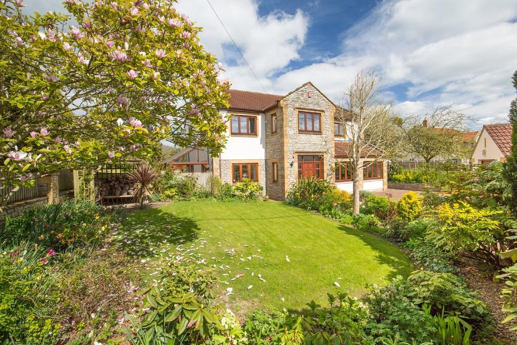 5 Bedrooms Detached House for sale in Stocks Lane, North Wootton