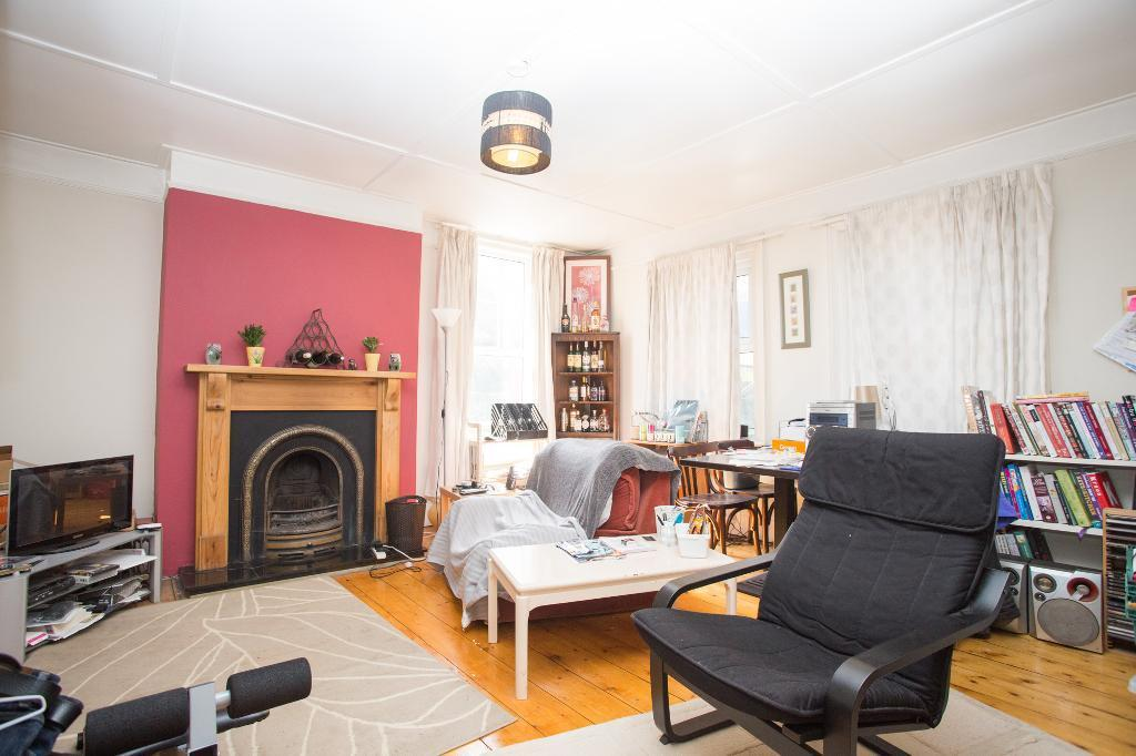 2 Bedrooms Apartment Flat for sale in Little London Road, Horam, East Sussex, TN21 0BN