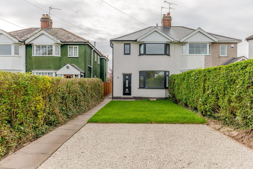 3 Bedrooms Semi Detached House for sale in Red Lane, Burton Green