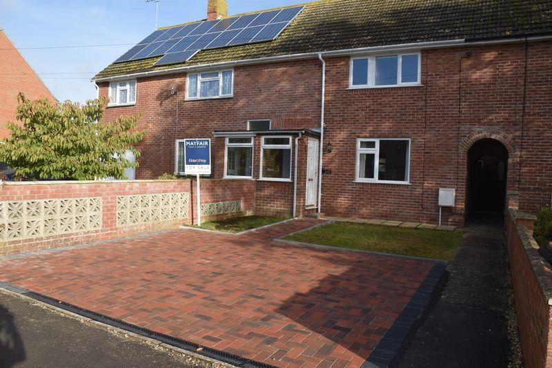 3 Bedrooms Terraced House for sale in Coburg Road, Dorchester