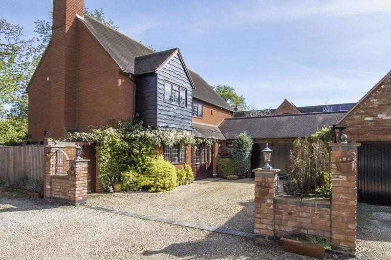 4 Bedrooms House for sale in Long Marston, Warwickshire