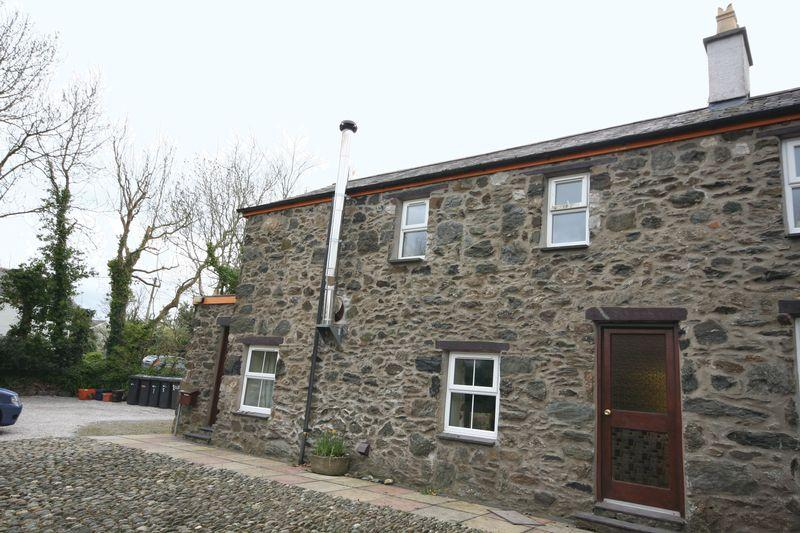 3 Bedrooms Terraced House for sale in Llanddaniel, Anglesey