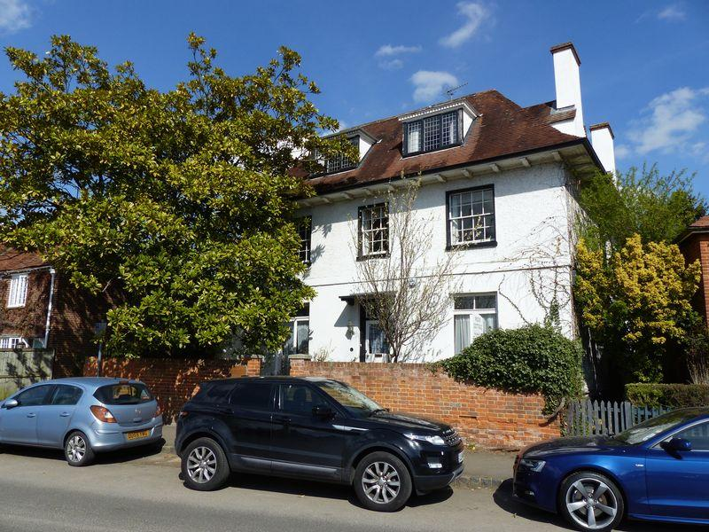 10 Bedrooms Detached House for sale in COOKHAM VILLAGE