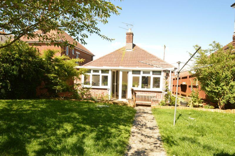 2 Bedrooms Bungalow for sale in SANDOWN