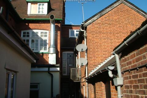 1 bedroom maisonette to rent - High Street Ingatestone Essex CM4