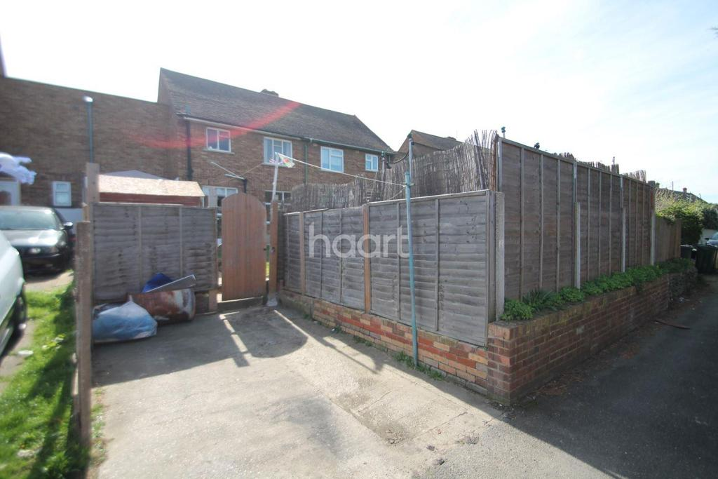 Macmillan Gardens Dartford 3 Bed Semi Detached House For